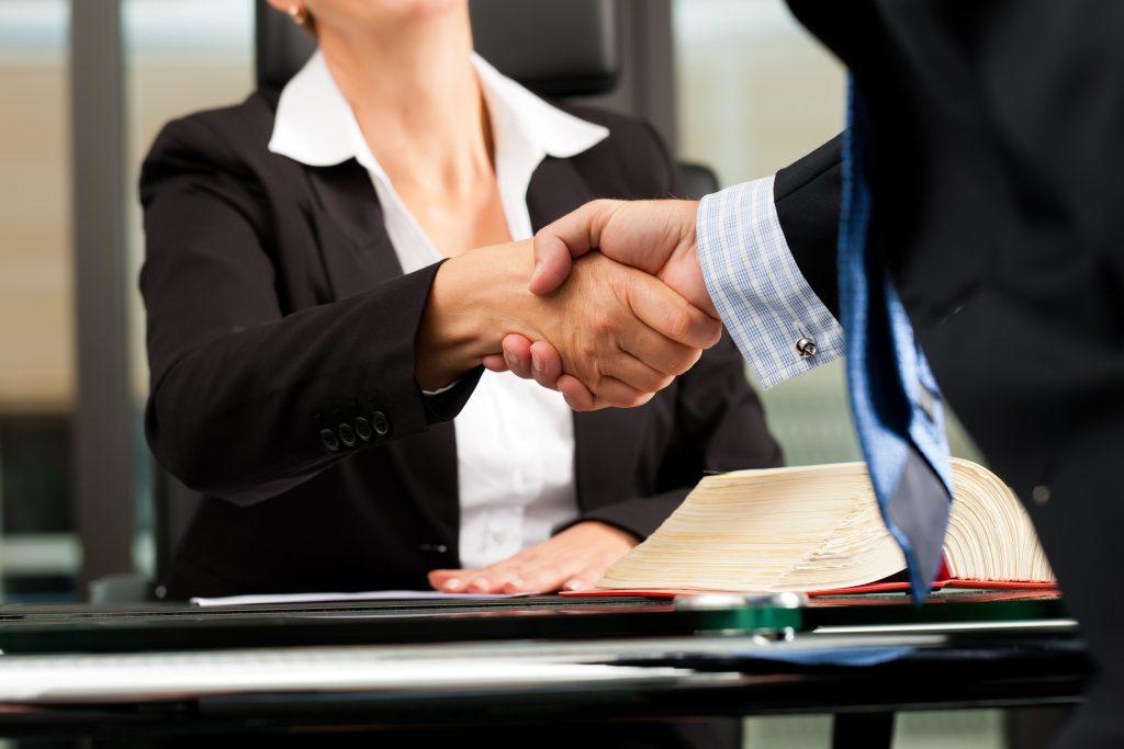 La Mejor Firma Legal de Abogados en Español de Acuerdos en Casos de Compensación Laboral, Mayor Compensación de Pago Adelantado en San Diego California